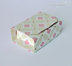 Photo: http://bettys-crafts.blogspot.com/2013/07/origamibox-geschenkbox.