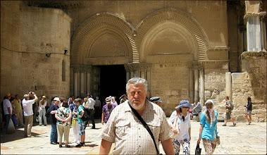 Photo: Иерусалим. Храм Гроба Господня. Паломник из Минска.