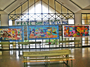 Photo: Murales del Guernica en el recibidor de nuestro Colegio. Tres versiones diferentes. Trabajo realizado en colaboración por 150 alumn@s del Tercer Ciclo.