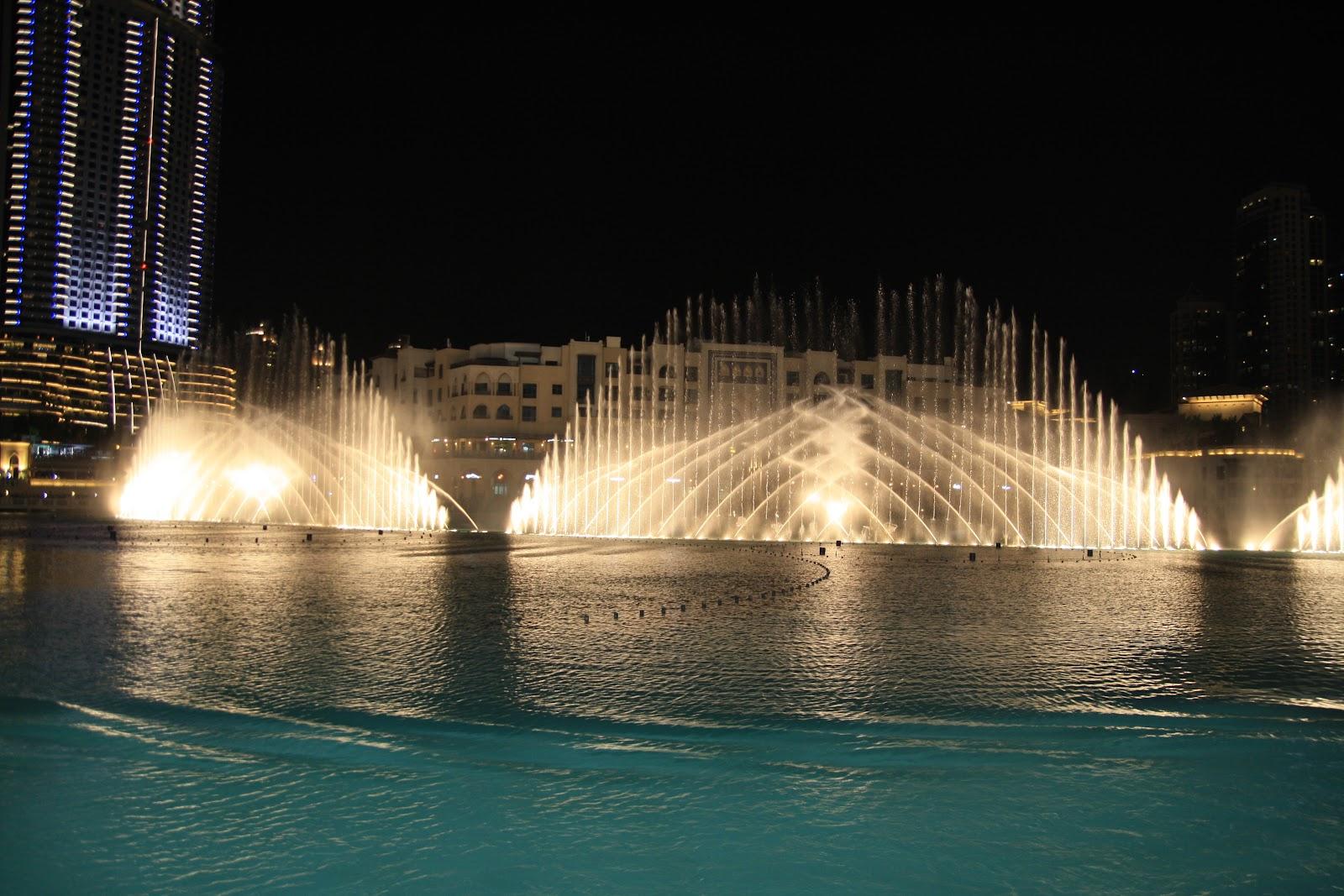 Співаючі фонтани Дубая