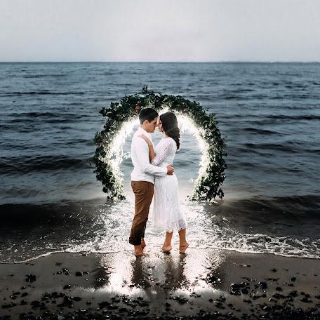 Wedding photographer Oleg Akentev (Akentev). Photo of 20.09.2017