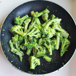 Broccoli With Olive Oil & Garlic