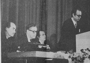 """Photo: DAVOS/SWITZERLAND, 24JAN 1971 - Klaus Schwab welcomes participants to the inaugural European Management Symposium in 1971. Otto von Habsburg (left) delivered the keynote speech at the opening session of the first European Managament Symposium, the predecessor of the World Economic Forum held in Davos 24 January - 7 February 1971. Copyright <a href=""""http://www.weforum.org"""">World Economic Forum</a> (<a href=""""http://www.weforum.org"""">http://www.weforum.org</a>)"""