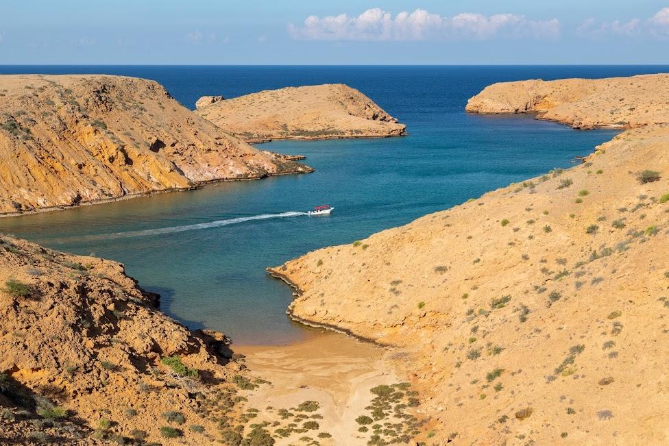 Bandar Al Khairan, najpiękniejsze plaże północnego Omanu