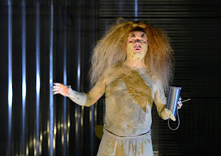 Photo: IM REICH DER TIERE von Roland Schimmelpfennig. Inszenierung: Roland Schimmelpfennig. Premiere 27. 2.2015. Johann Adam Oest. Copyright: Barbara Zeininger