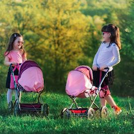 u šetnji by Vedran Bozicevic - Babies & Children Children Candids ( children, cute, colorful )