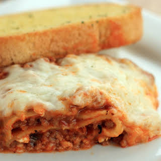 Easy Crock Pot Lasagna.