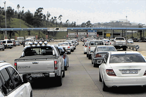 Traffic on the N3 at the Marianhill tollgate was at a standstill yesterday as more holidaymakers descended on Durban for Christmas