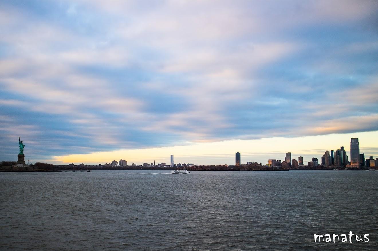 nubes azules sobre nueva york