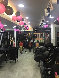 Lakme Salon photo 2