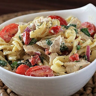 Pasta Salad With Chicken and Spinach.