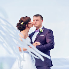 Wedding photographer Yana Lutchik (fotyinka). Photo of 04.12.2015
