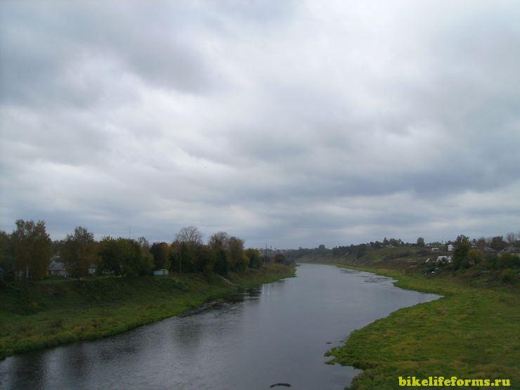 Недалеко от места впадения Вазузы в Волгу