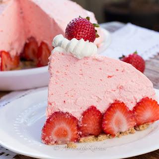 No Bake Strawberry Cheesecake Pie.