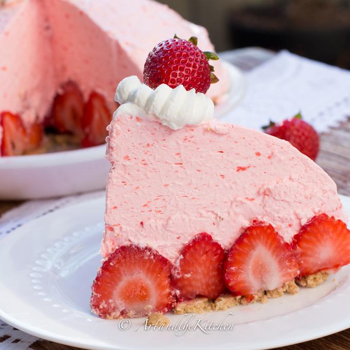 No Bake Strawberry Cheesecake Pie Recipe
