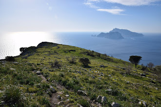 Photo: Campo Vetavole e isola di Capri