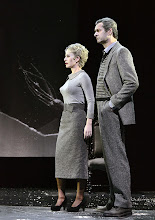 Photo: Wien/ Theater in der Josefstadt: DIE MAUSEFALLE von Agatha Christie, Inszenierung Folke Braband, Premiere 19.12.2013. Aleksandra Krismer, Alexander Jaksch. Foto: Barbara Zeininger