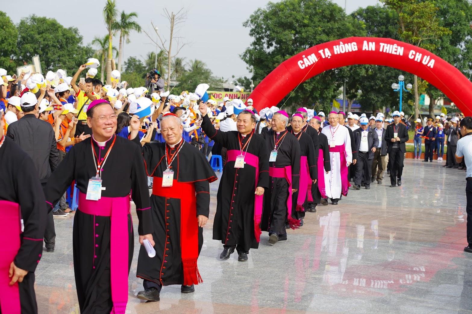 Những hình ảnh đẹp về lễ khai mạc Đại Hội Giới Trẻ giáo tỉnh Hà Nội lần thứ XV tại Thanh Hóa - Ảnh minh hoạ 11