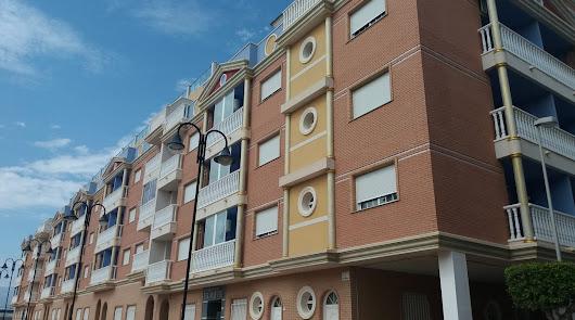 Estas son todas las viviendas de saldo que la Sareb vende en Roquetas