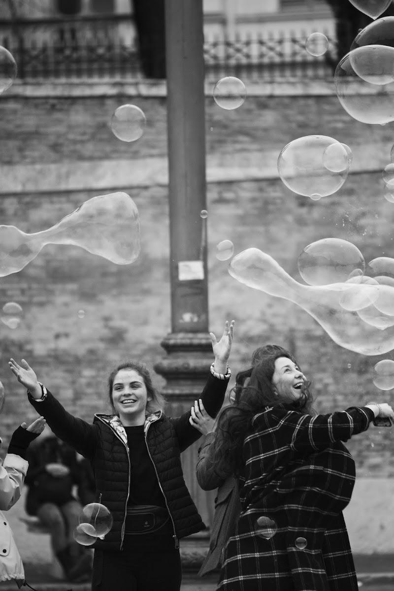 Umile Felicità di Simone Kircoff