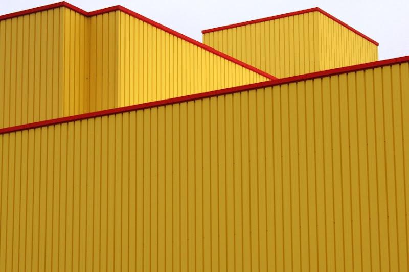 Il capannone giallo di paolo-spagg