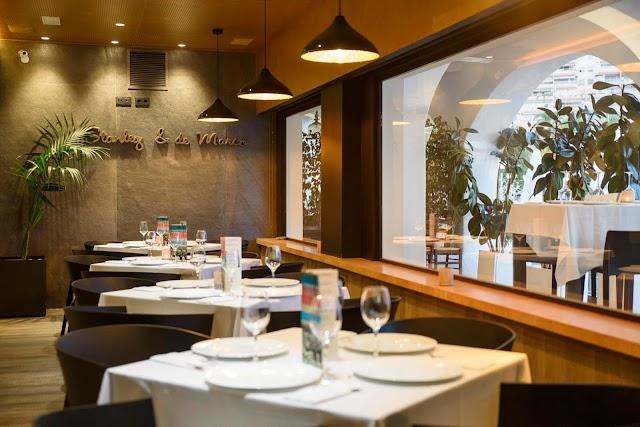 Restaurante Stanley & de Marco en el Puerto Deportivo de Aguadulce, 10-11-12.