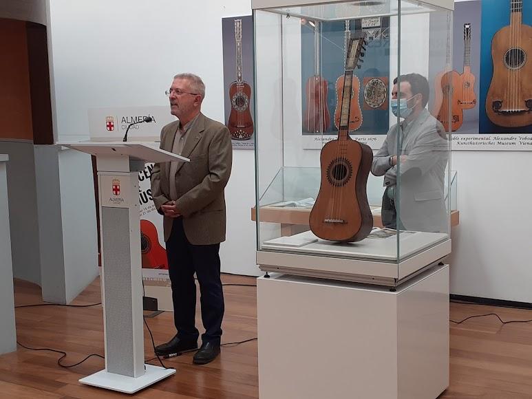 La exposición presenta piezas donadas y cedidas al Museo de la Guitarra.La exposición presenta piezas donadas y cedidas al Museo de la Guitarra.