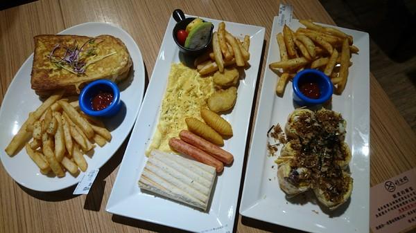 高雄~好。食間早午餐~享受早晨現作的美好時光~推創意料理倒插章魚燒~