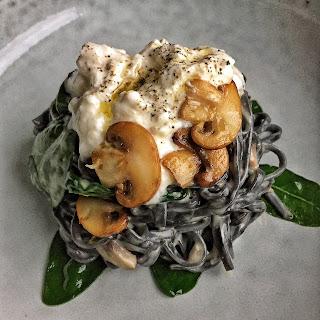 Creamy Mushroom Pasta with Spinach & Burrata