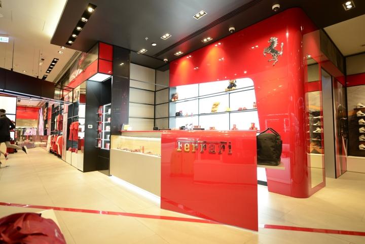 طراحی و ساخت دکور مغازه در قم