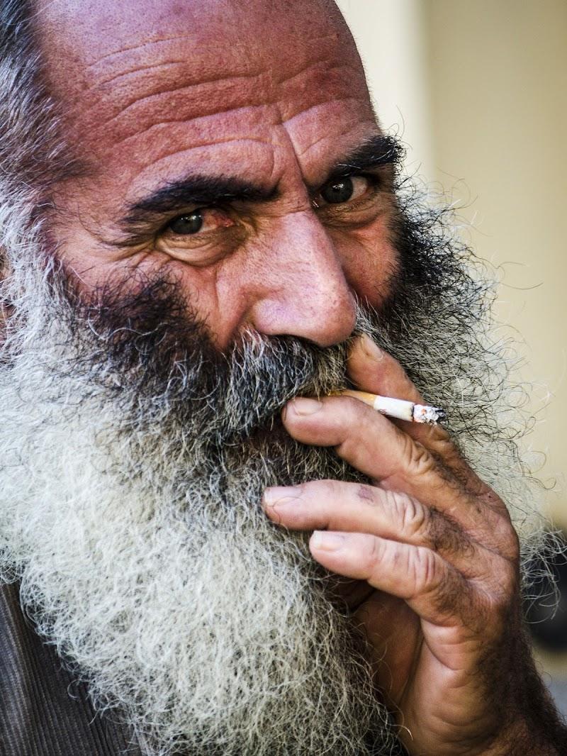 Ritratto di sigaretta fumata da contadino  di Skarlet