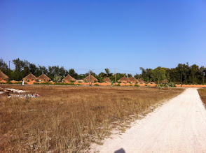Photo: Bungalows in Lac Rose