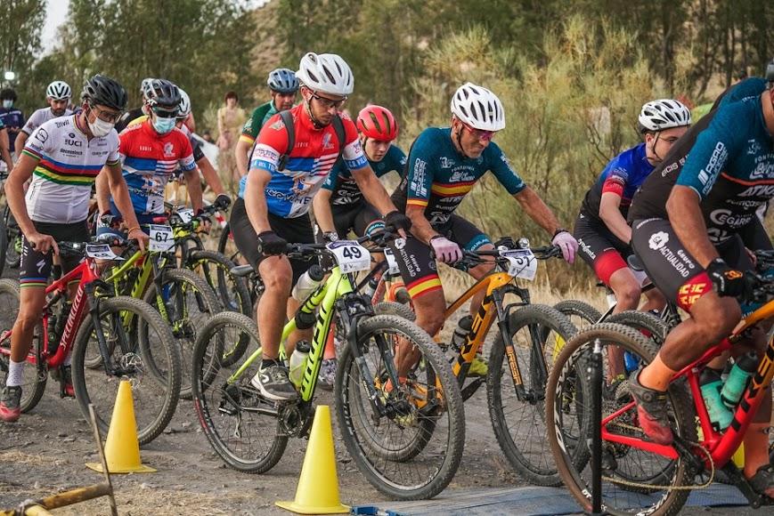 Los ciclistas vivieron dos grandes pruebas.
