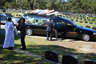 Photo: Lễ An Táng tại nghĩa trang