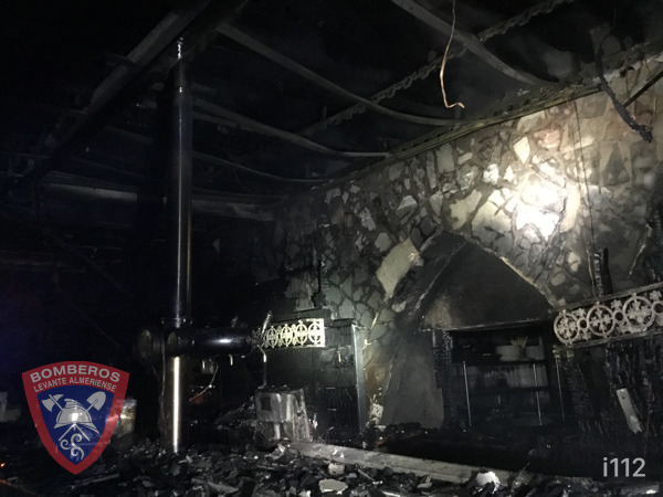 Estado del local en una imagen difundida por los bomberos de Levante.