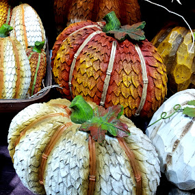 Hand-carved Wood Pumpkins by Tom Carson - Public Holidays Thanksgiving