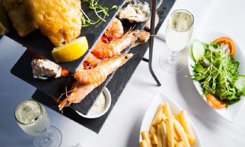 rượu Champagne kết hợp món hải sản