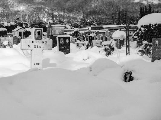 Silenzio bianco al cimitero di antoniosm8