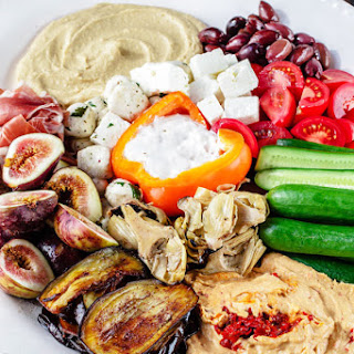 How to Build the perfect Mediterranean Party Platter.