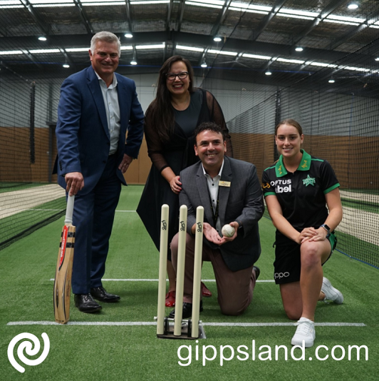 Gippsland WBBL product Nicole Faltum joined Cricket Victoria CEO Andrew Ingleton at the opening ahead of the club's first men's home game against the Hobart Hurricanes