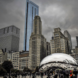 Chi twon with Cloud gate.jpg