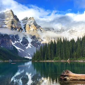 Moraine Lake Banff National Park by Jack Nevitt - Landscapes Mountains & Hills ( motaine lake, national park, banff )