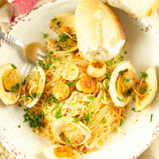 Delicious Pasta With Clams And Scallops - Recipe Tutorial