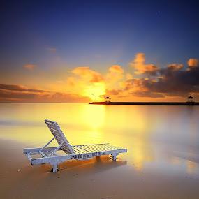 Leisure Time in Sanur by Calvin Go - Landscapes Sunsets & Sunrises ( bali, karangm, indonesia, sanur, sunrise, beach, longexpo )