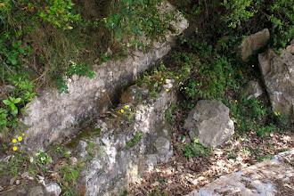 Photo: Canaletta di captazione acqua (epoca romana)