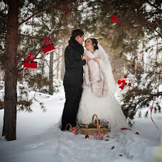 Wedding photographer Sergey Piyagin (smileastana). Photo of 09.02.2014