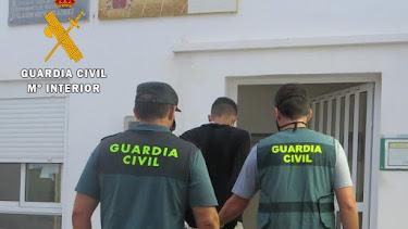 El autor de los hechos ha sido detenido por la Guardia Civil.