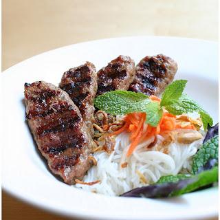 Bun Nem Nuong (Vermicelli with Grilled Pork Patties).