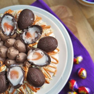 Cadbury's Creme Egg Pavlova