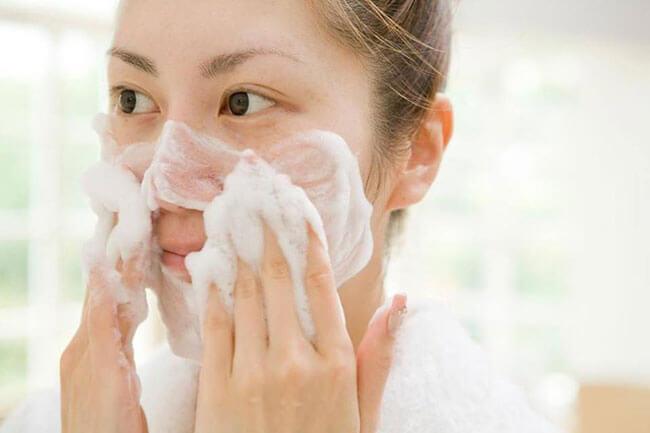 Sử dụng ngay lotion mask sau bước rửa mặt là tốt nhất